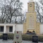 Lebus im Oderbruch: Der Friedhof der Kriegsgräberstätte Lebus, nicht weit von den Seelower Höhen, wächst weiter, noch immer werden dort gefallener sowjetischer Soldaten bestattet.