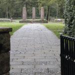 Sandbostel in Niedersachsen: Hunderttausende Kriegsgefangene aus mehr als 70 Nationen waren bei Bremervörde bis 1945 interniert, die meisten mussten Zwangsarbeit leisten. Die größte Gruppe stammte aus der Sowjetunion.