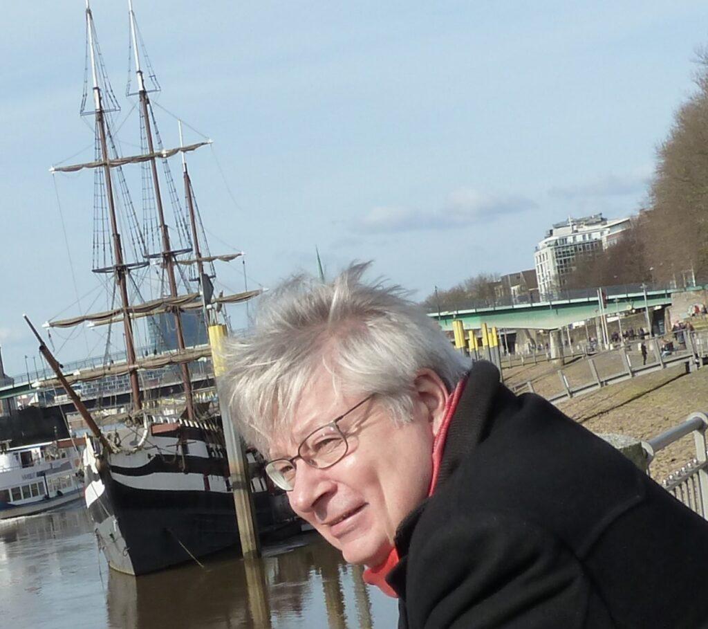 Hans-Henning Schröder