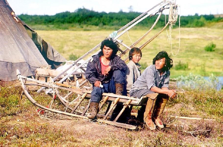 Nenzen in der Tundra bei Dudinka