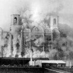 Radikaler Vollzug eines barbarischen Beschlusses: die Sprengung der Christ-Erlöser-Kathedrale in Moskau