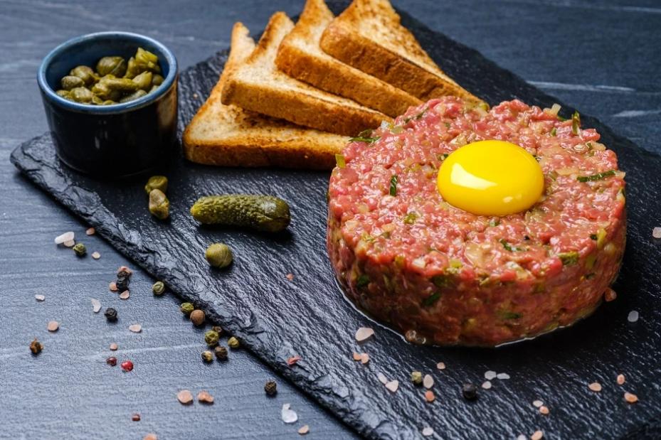 Rohes Fleisch: Beef Tatar